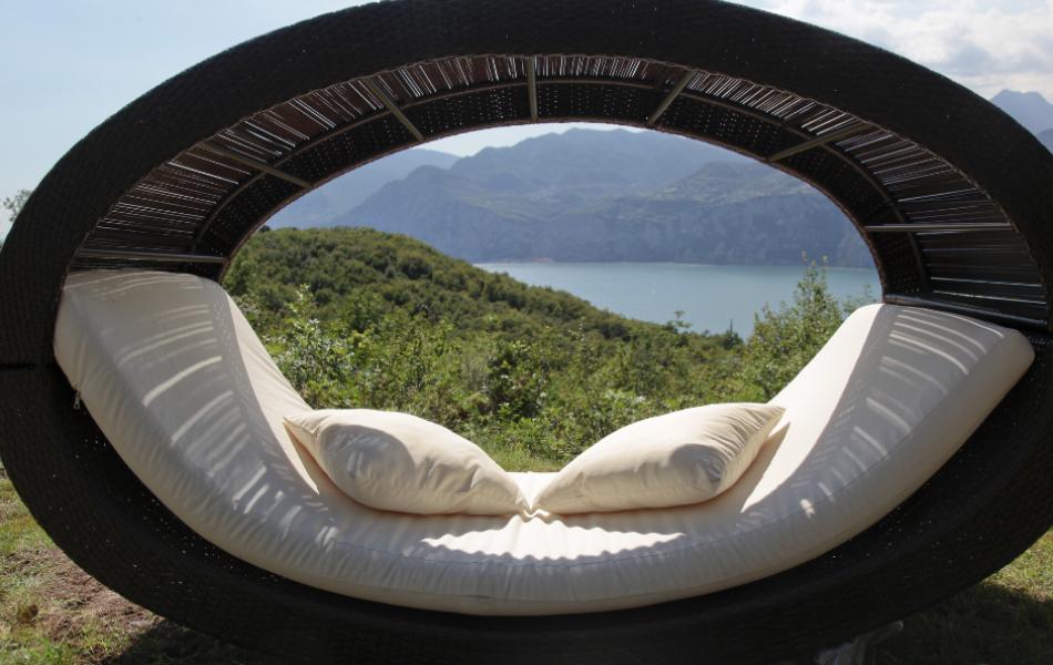 April offer on Lake Garda